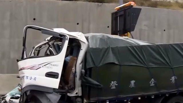 貨車故障停路肩查看 後車追撞2駕駛身亡