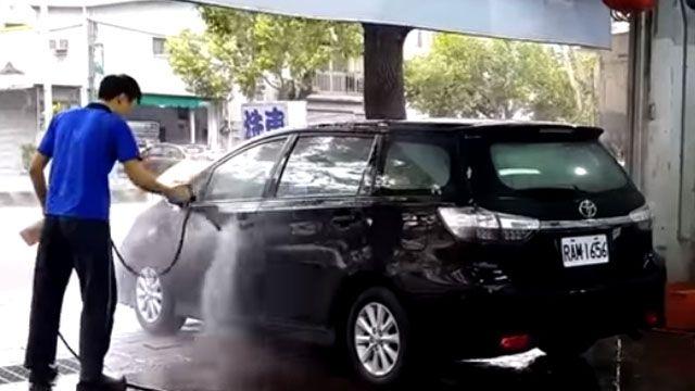 洗車場直擊!洗車、牽車不同人能取車?