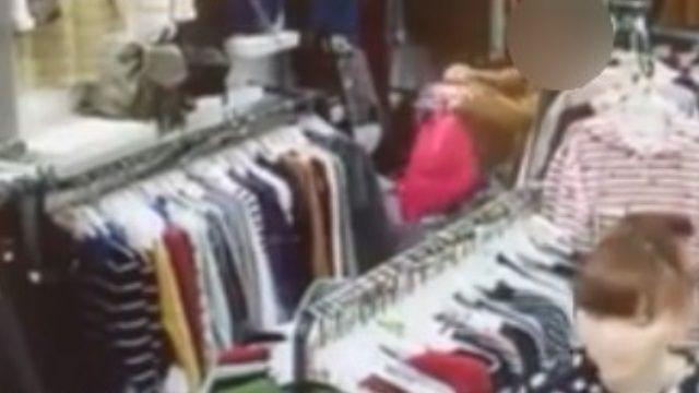 假逛街真行竊?!秒偷塞袋淡定繼續購物