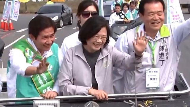 穩固中台灣!「英仁配」中彰造勢固樁