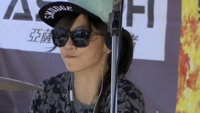SJ希澈稱她「好帥」正妹鼓手紅回台