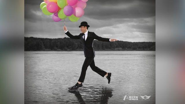 華仔2016年曆科幻風! 化身怪博士、吸血鬼