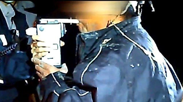 不滿酒測攔檢 鐮刀男襲警嗆「給你死」