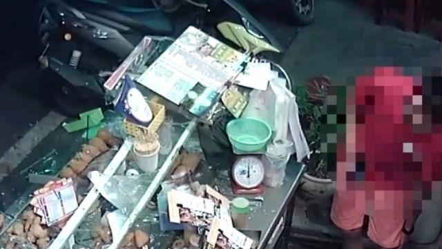 不滿店家佔道 行車糾紛演變砸鹹酥雞攤