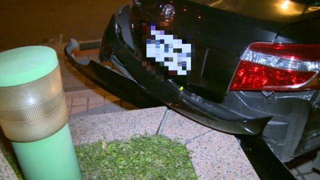 路口撞小黃棄車逃 肇逃男車上搜出毒品