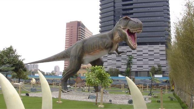 恐龍模型太擬真!又動又叫 小朋友嚇哭