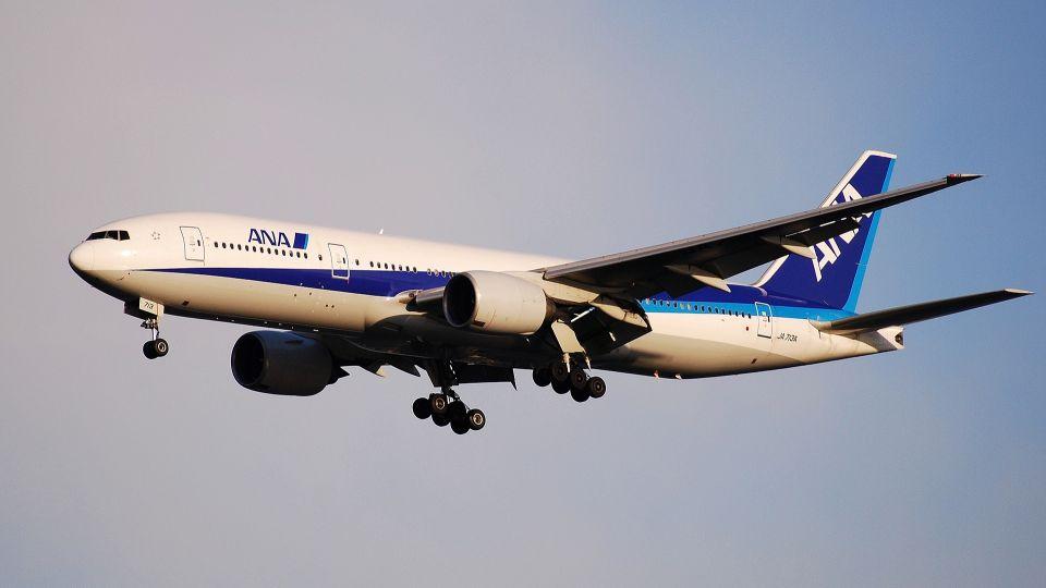 駕駛艙突冒白煙 全日空飛台客機急降沖繩
