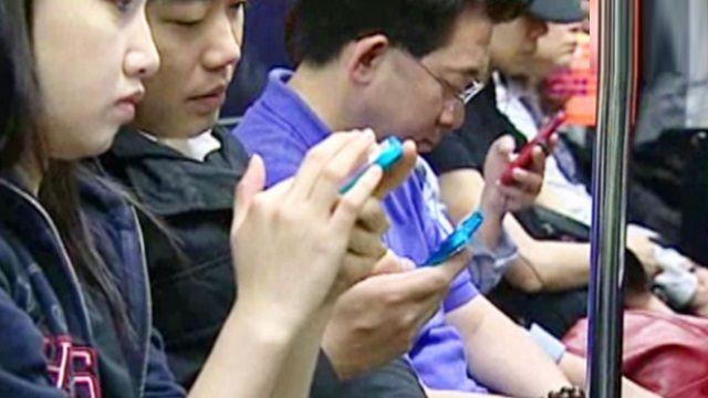 學生倡「無手機日」!大人們敢跟進嗎?