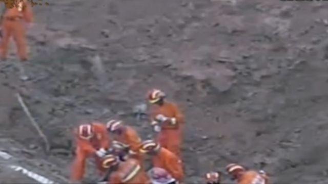 人禍!廢棄渣土填山 違規堆185米高崩落