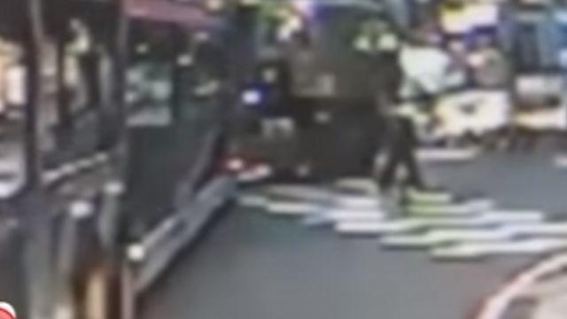 12歲童遭捲車底拖行 右腳恐截肢
