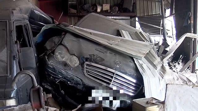 名車撞毀保養廠 車主現身 辯稱沒開車