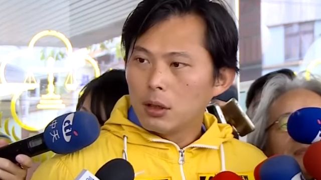 坦承任教師生戀 黃國昌:畢業後在一起