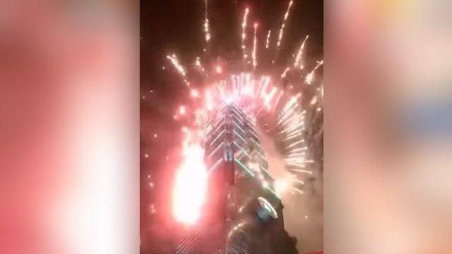 「焰火亂入變火球」 向下發射險傷民眾
