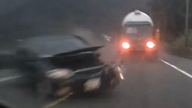 逆向、闖紅燈 違規駕駛車禍頻傳