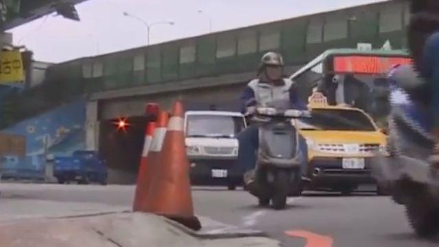 馬路人行道「高低差」18歲騎士摔車遭拖板車輾亡