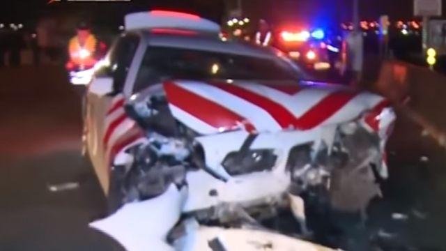 BMW「紅斑馬」警車追賓士 追逐9公里自撞2傷