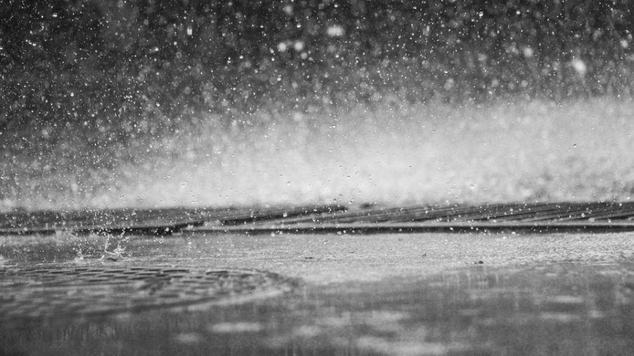 鋒面接近有雨 外出記得帶傘