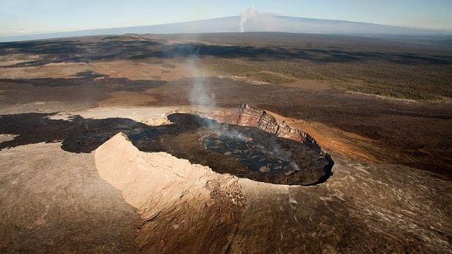 震撼!夏威夷火山爆炸 幸無民眾受影響