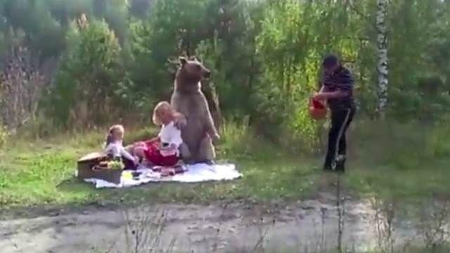 與小熊維尼野餐!竟然是素食主義者?