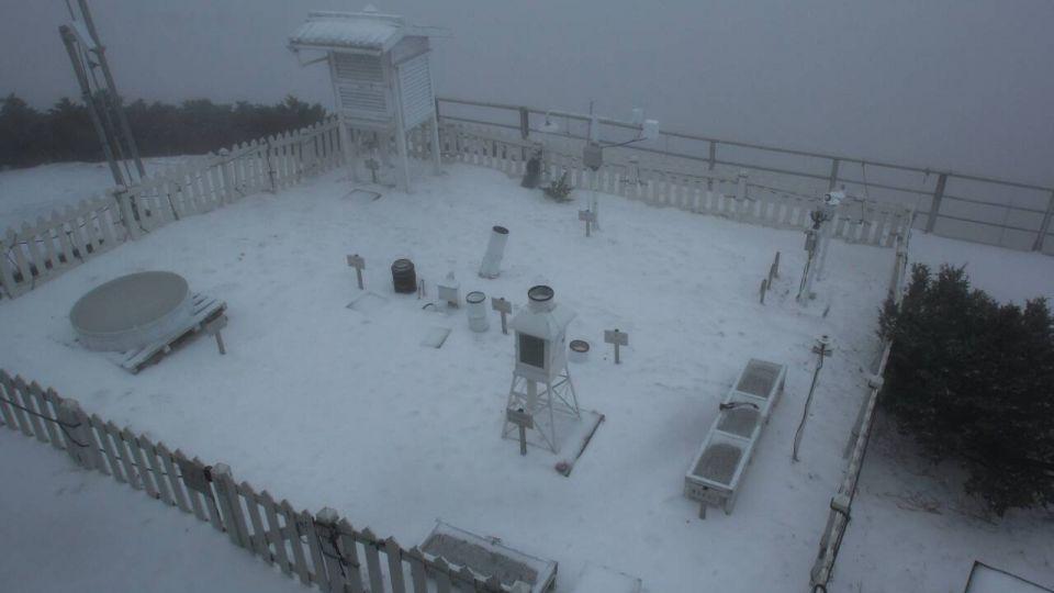 下雪囉! 玉山今年第三度降雪
