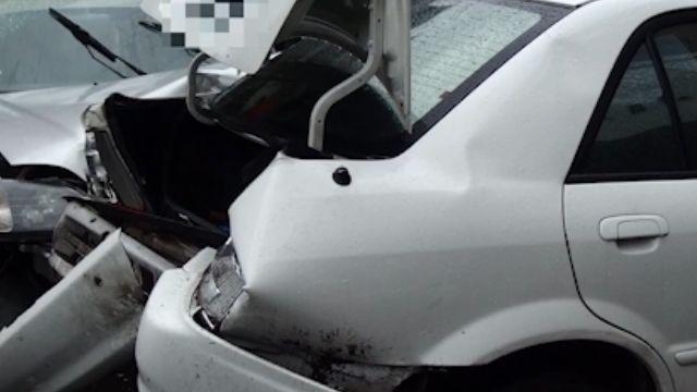 玩命駕駛 彎道逆向超車對撞四人傷