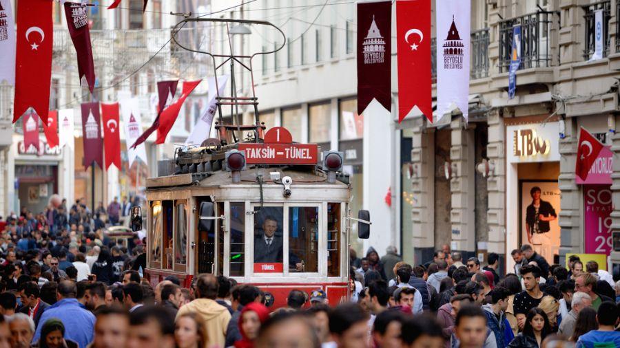 土耳其市中心疑自殺炸彈客攻擊 死傷逾20