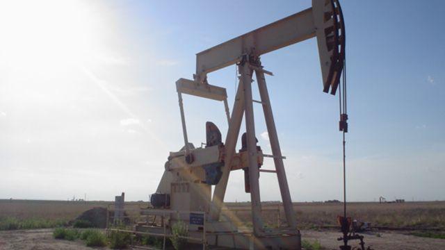 美原油期貨盤中跌破30美元 創12年新低