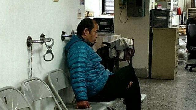 惡漢闖醫院 護理人員遭保溫瓶砸傷