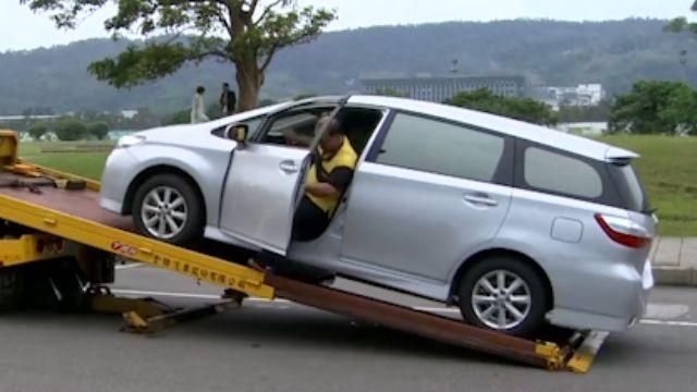 國道拖吊收費有標準! 依困難度加「作業費」