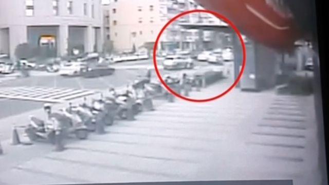 市區警匪追逐戰 警開五槍壓制毒販