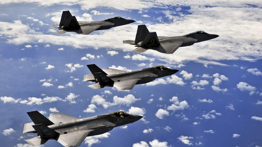 日媒:8架美F-22抵日 穩定台選後東亞情勢