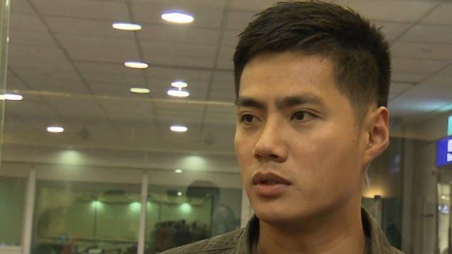 華人薪資最高左投陳偉殷返台 球迷寒風中接機!