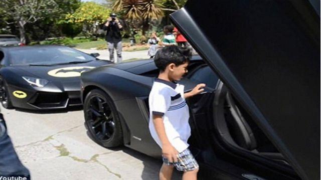 藍寶堅尼7歲小車迷 圓坐跑車夢想?