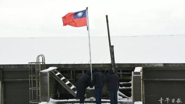 冰雪下的鋼鐵戰士 零度下捍衛國旗的弟兄