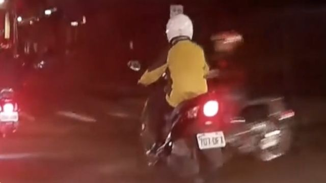 騎士撞人想開溜 員警「秒到場」逮人
