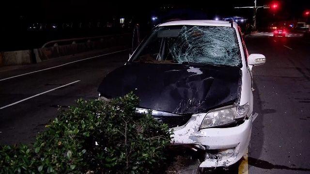 轎車撞機車落跑 騎士摔到橋下喪命