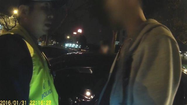 兩少年攜毒遭攔 急叩民代「控沒搜索票」阻搜車