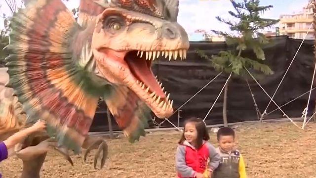 墾丁恐龍園區! 最大隻20高米 能叫能動