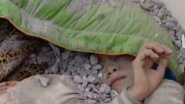 埋瓦礫堆16小時 林雅惠「棉被護頭」奇蹟獲救