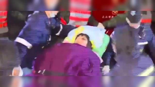受困逾18小時 54歲洪姓女子吊車救出!