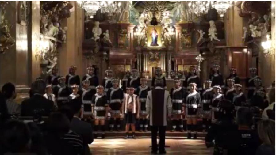 這群原住民孩子 竟然在聖彼得大教堂...