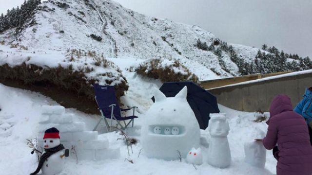 素人在雪地裡神來一手 連迪士尼都服了