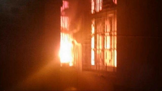 兄弟爭吵 弟持汽油縱火燒老家造成五死
