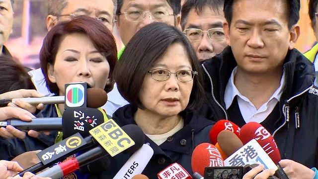 「此時我們都是台南人」 蔡英文南下探獲救住戶
