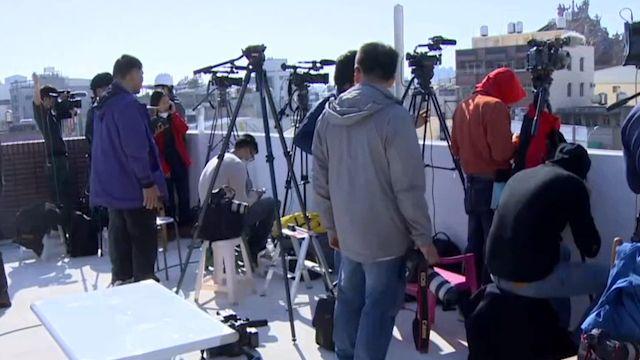 台南震災全球關注 十餘外媒採訪維冠現場