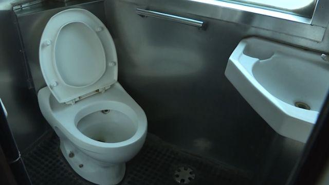 「馬桶不通」 莒光號列車女嬰胎盤卡馬桶