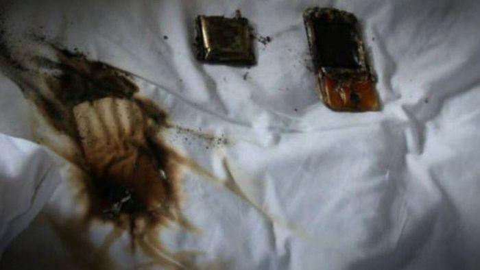 手機別放枕頭下 小心燒出大窟窿
