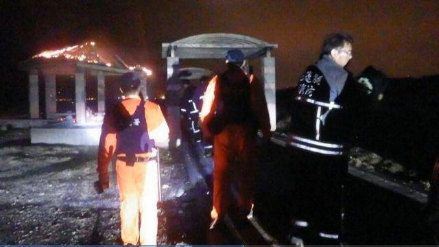 疑人為縱火 七星潭「聽海亭」被燒到只剩4柱
