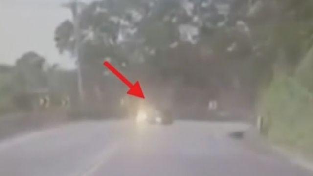 貨車「甩尾」削爛休旅車 害1死3傷「辯沒看到」