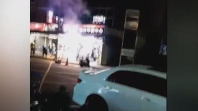 加油站旁「四放煙火」 目擊民眾:好危險